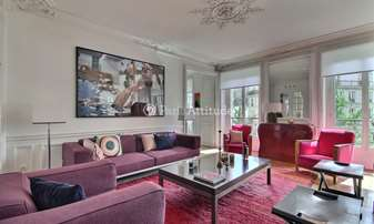Rent Apartment 2 Bedrooms 107m² rue de Saint Petersbourg, 8 Paris