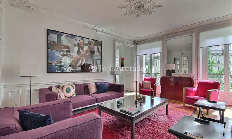 Rent Apartment 2 Bedroom 107m² rue de Saint Petersbourg, 75008 Paris