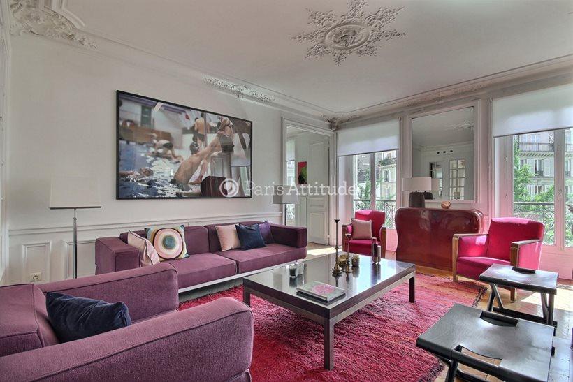 Rent furnished Apartment 2 Bedrooms 107m² rue de Saint Petersbourg, 75008 Paris