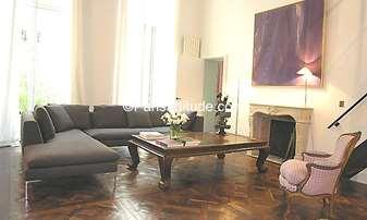 Rent Duplex 2 Bedrooms 130m² rue Saint Andre des Arts, 6 Paris