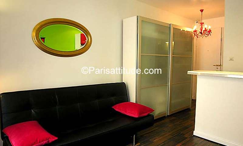 Rent Apartment Studio 17m² rue Eugene Varlin, 10 Paris