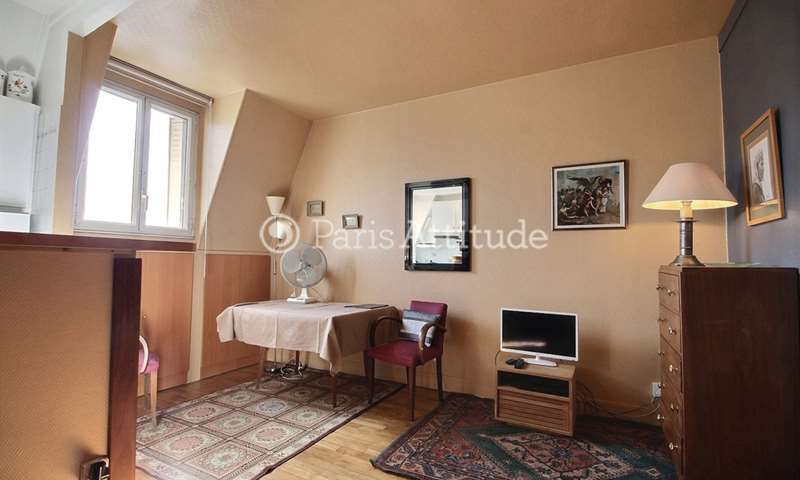 Rent Apartment Studio 25m² rue de Courcelles, 75017 Paris