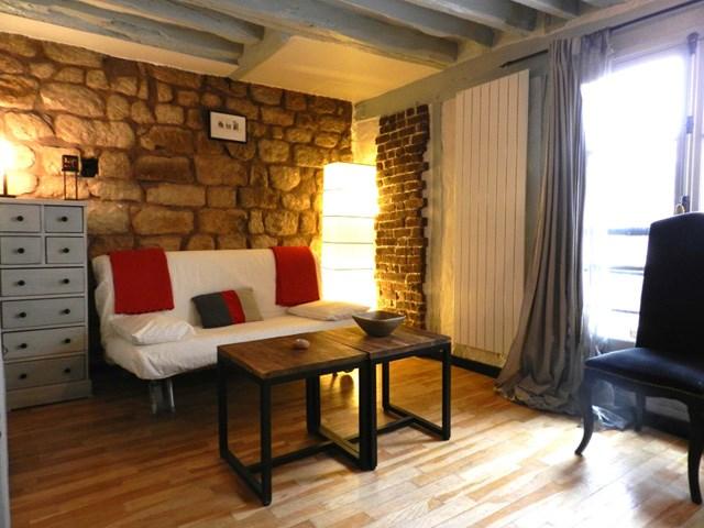 Rent Apartment Studio 25m² rue du Vertbois, 75003 Paris