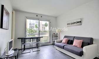 Aluguel Apartamento Quitinete 26m² rue du Faubourg Saint Honore, 8 Paris