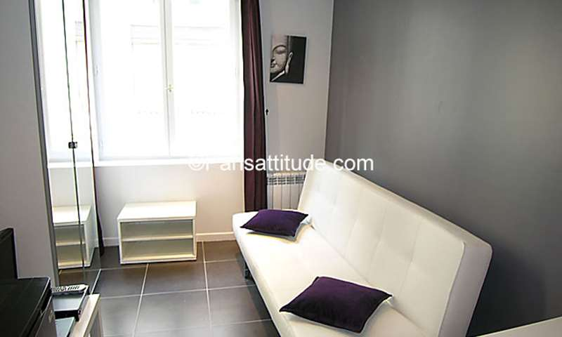 Rent Apartment Studio 15m² rue Poissonniere, 2 Paris