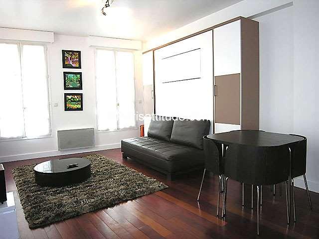 Louer un appartement paris 75001 35m chatelet les for Salon de the chatelet