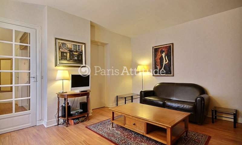 Rent Apartment Studio 33m² rue du Colisee, 8 Paris