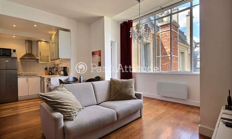 Rent Apartment Alcove Studio 36m² rue La Boetie, 8 Paris