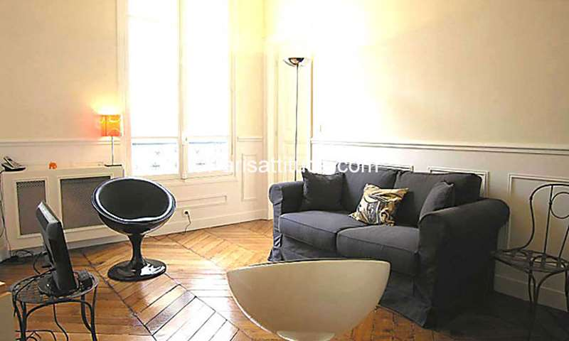 Rent Apartment 2 Bedroom 47m² rue des Halles, 75001 Paris