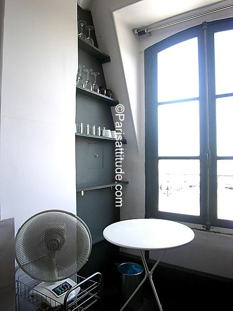 Louer un appartement paris 75016 35m arc de triomphe for Louer chambre sans fenetre