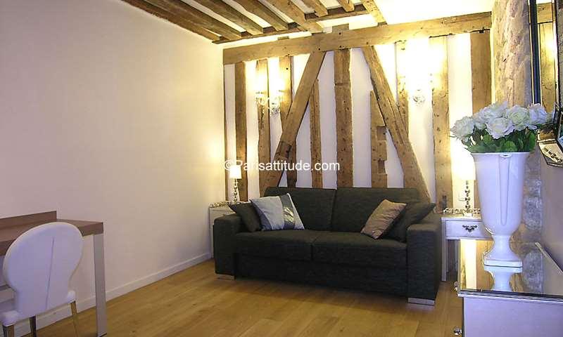 Rent Apartment Studio 25m² rue Sauval, 1 Paris