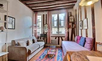 Location Appartement Studio 23m² rue de l Hotel Colbert, 5 Paris