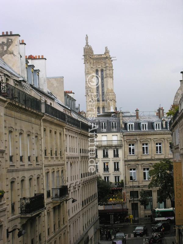 rent apartment in paris 75001 28m chatelet les halles. Black Bedroom Furniture Sets. Home Design Ideas