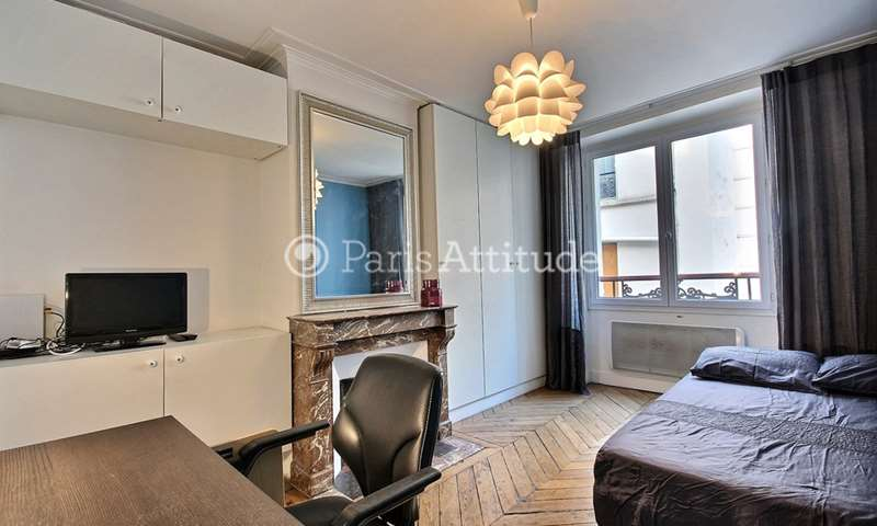 Rent Apartment Studio 18m² rue de Lille, 7 Paris
