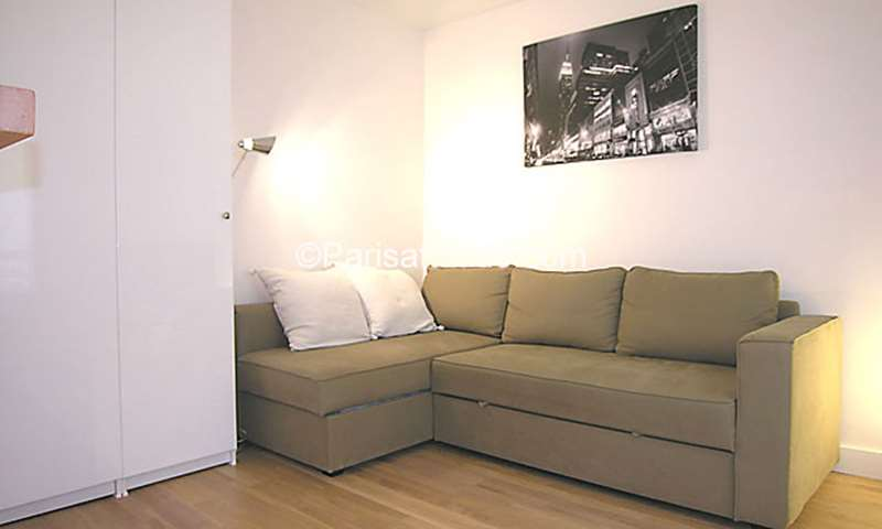 Rent Apartment Studio 21m² rue d Aligre, 75012 Paris