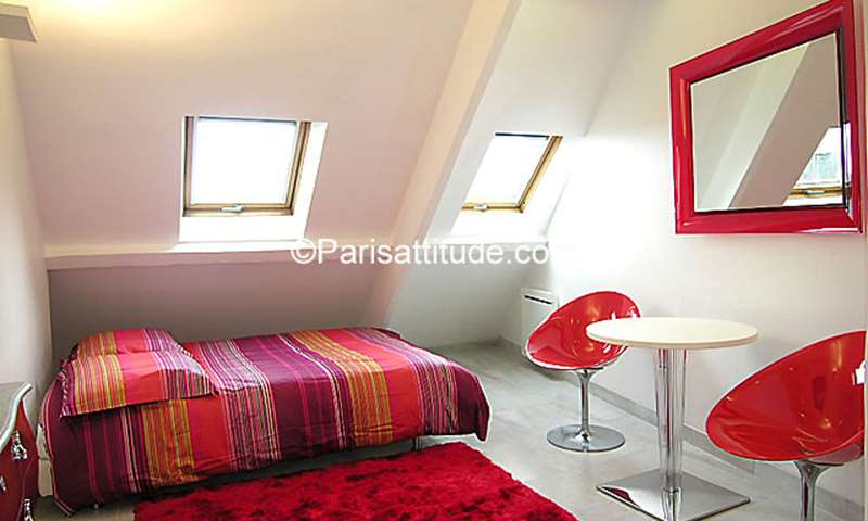Rent Apartment Studio 21m² rue du Colisee, 8 Paris