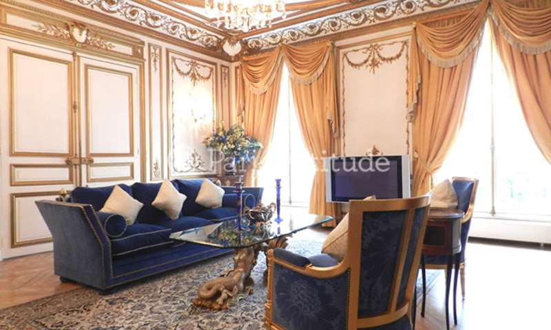 Rent Apartment 3 Bedrooms 161m² avenue Franklin D. Roosevelt, 8 Paris