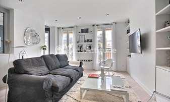 Rent Apartment 2 Bedrooms 68m² avenue Parmentier, 11 Paris