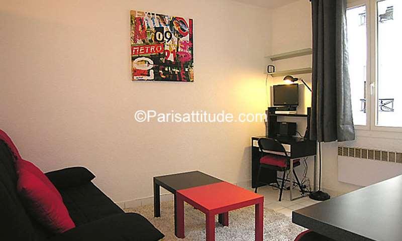 Rent Apartment Studio 17m² rue du Faubourg Saint Antoine, 11 Paris