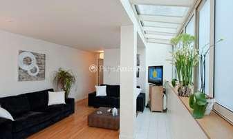 Location Appartement 2 Chambres 70m² rue de Ponthieu, 8 Paris