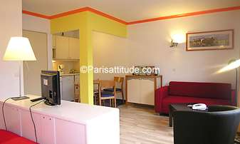 Rent Apartment Alcove Studio 32m² Cour du Septieme Art, 19 Paris