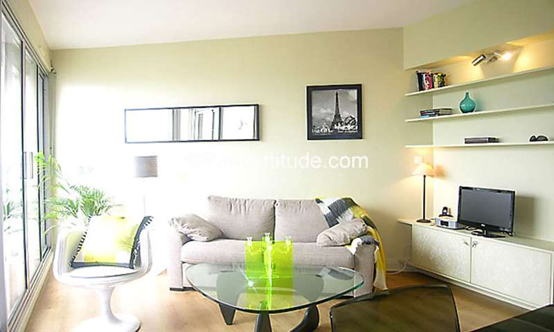 Rent Apartment Alcove Studio 34m² avenue Claude Vellefaux, 10 Paris
