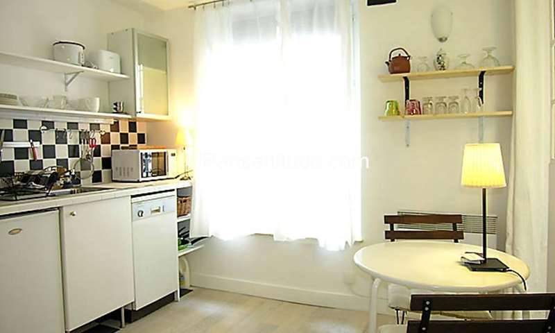 Location Appartement Studio 19m² rue Capron, 18 Paris