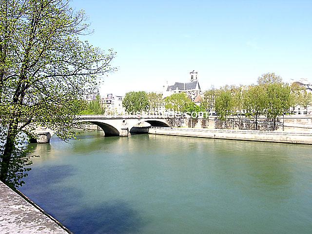 Louer Un Appartement Paris 75004 19m Ile Saint Louis