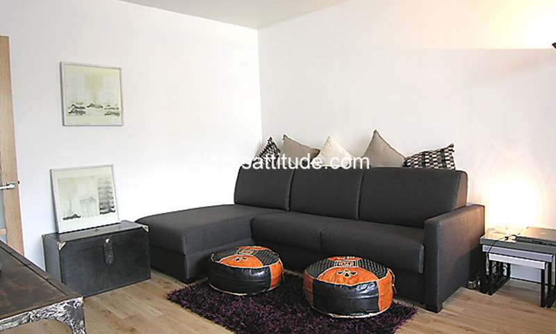Rent Apartment 1 Bedroom 50m² rue de Nantes, 19 Paris