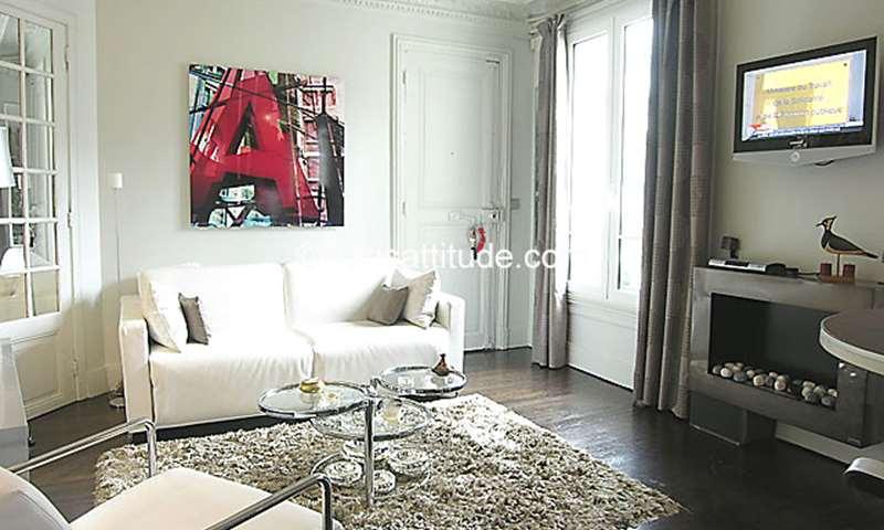 Rent Apartment 1 Bedroom 30m² rue Godot de Mauroy, 75009 Paris