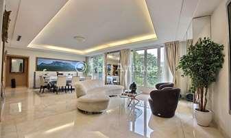 Rent Apartment 3 Bedrooms 200m² rue Murillo, 8 Paris