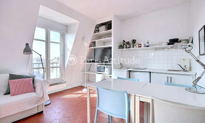 Location Appartement Studio 35m² rue de Sevigne, 3 Paris