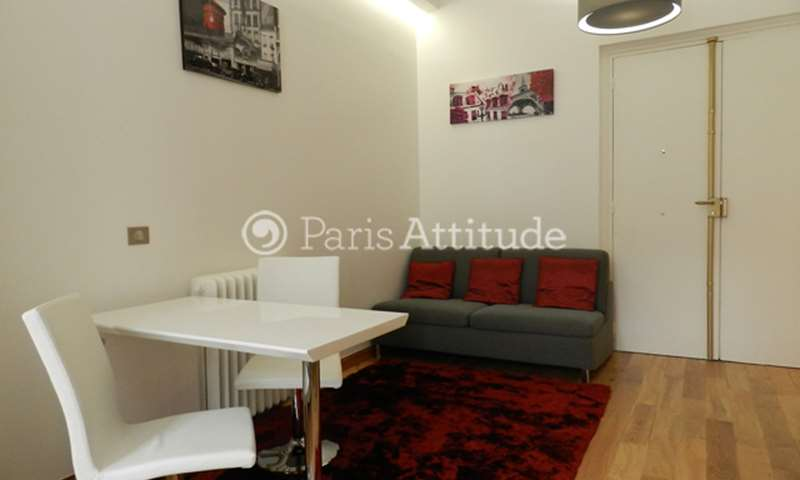 Location Appartement Studio 30m² avenue des Champs elysees, 75008 Paris