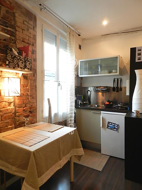 Louer un maison de ville paris 75013 15m butte aux for Cailles sur canape dvd