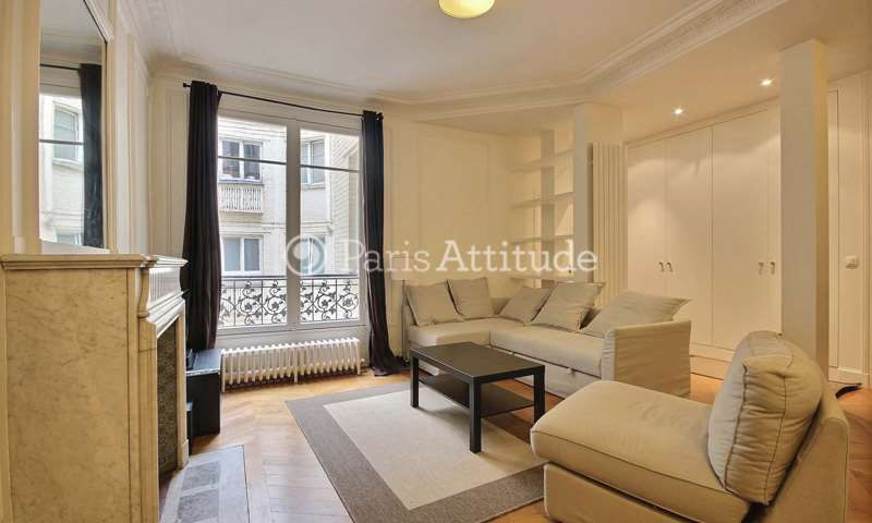 Rent Apartment 3 Bedrooms 102m² rue des Eaux, 16 Paris