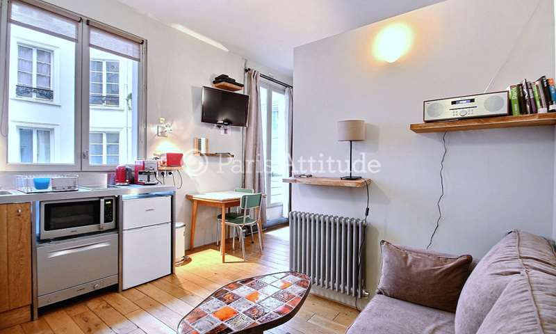 Rent Apartment Alcove Studio 25m² rue des Petites ecuries, 75010 Paris