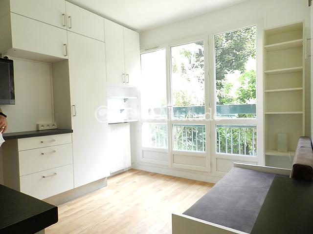Rent apartment in paris 75020 16m gambetta ref 8602 for Living room 75020