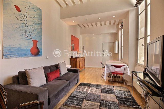 Rent furnished Apartment 2 Bedrooms 74m² rue du Temple, 75003 Paris