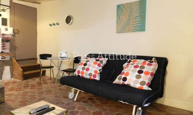 Rent Apartment Studio 18m² rue Saint Denis, 2 Paris