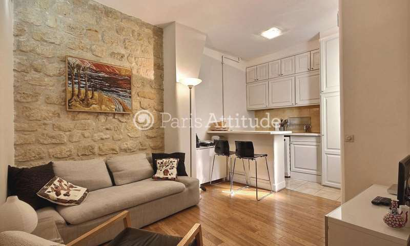 Rent Apartment 2 Bedrooms 42m² rue des Colonels Renard, 17 Paris
