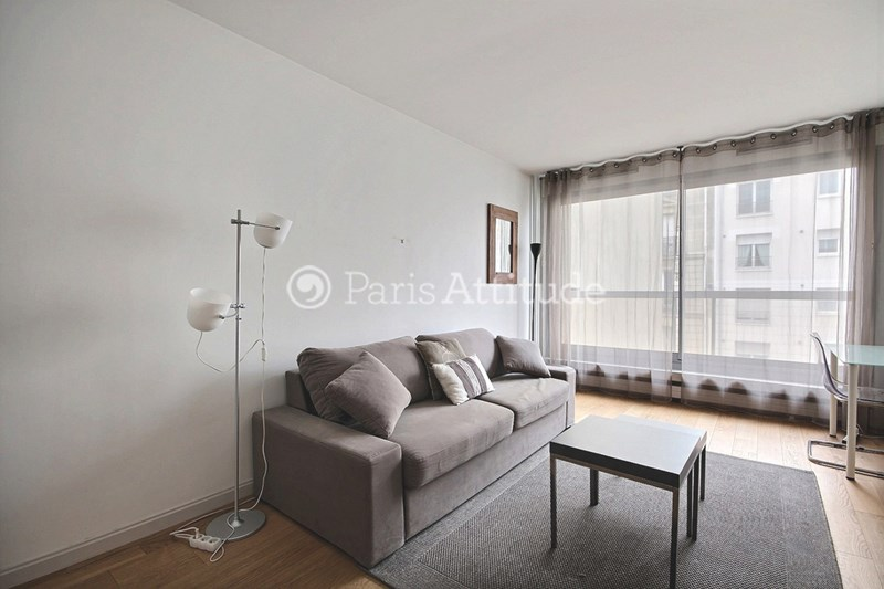 Location Appartement Studio 28m² rue de Lourmel, 75015 Paris