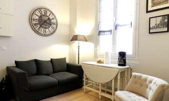 Rent Apartment Studio 17m² rue Rollin, 5 Paris