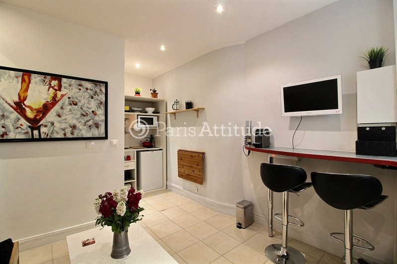 Rent Apartment Studio 17m² rue Duvivier, 75007 Paris