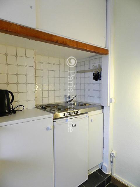 Louer un appartement paris 75011 20m bastille ref 9073 for Cuisine ouverte 22m2