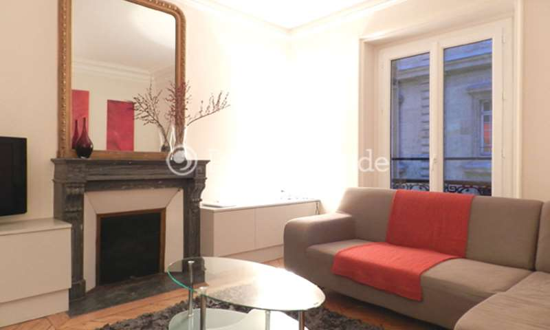 Rent Apartment 2 Bedroom 65m² rue Yves Toudic, 75010 Paris