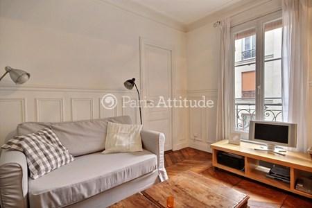louer un appartement meubl situ dans le quartier place de clichy. Black Bedroom Furniture Sets. Home Design Ideas