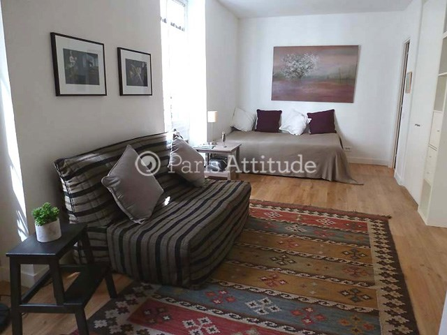 Location Appartement Studio 28m² rue du Bac, 75007 Paris