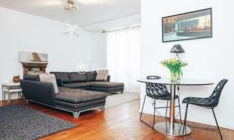 Rent Apartment 2 Bedrooms 79m² rue Commines, 3 Paris