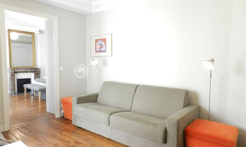 Rent Apartment 1 Bedroom 50m² rue du Louvre, 75001 Paris