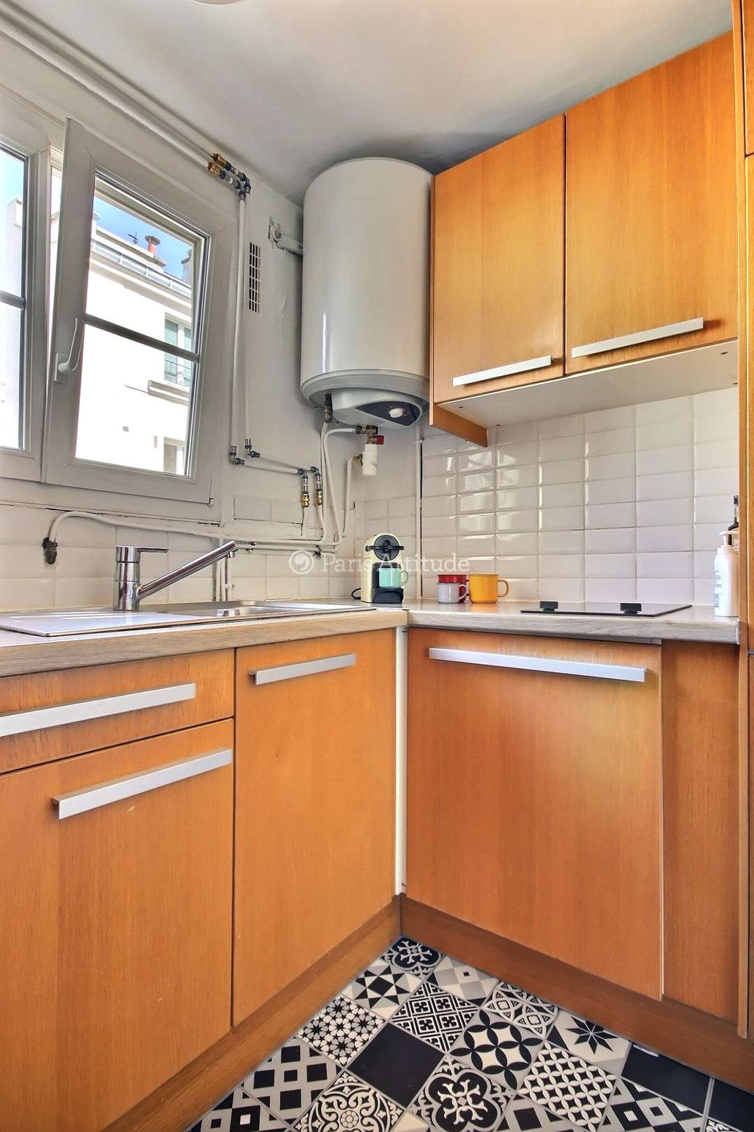 Louer un appartement paris 75011 28m r publique ref for Louer une chambre sans fenetre